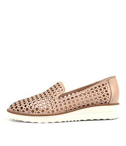 OSTA Flatforms in Pale Pink Leather