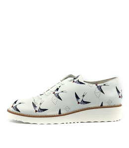 OPIUM Lace-up Flatforms in Blue Birds Print Leather