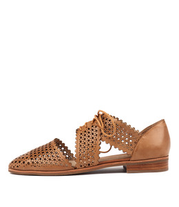 COSTER Lace-up Flats in Tan Leather