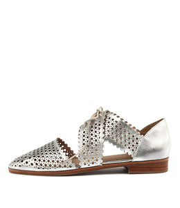 COSTER Lace-up Flats in Silver Leather