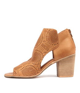 GETIT Heeled Booties in Dark Tan Leather