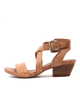 CHILLY Heeled Sandals in Tan Leather