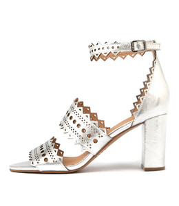 TANDS Heeled Sandals in Silver Leather