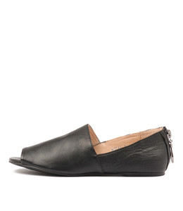 MORSEL Flats in Black Leather