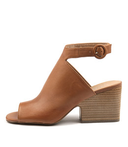 BANGER Heeled Sandals in Tan Leather