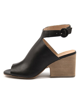 BANGER Heeled Sandals in Black Leather