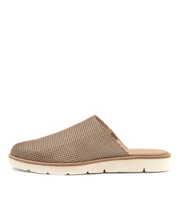 EVOLVED Flats in Taupe Leather