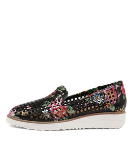 OSTA Flatforms in Black Floral Leather