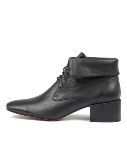HARVY Ankle Boots in Navy Leather