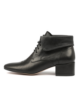 HARVY Ankle Boots in Black Leather