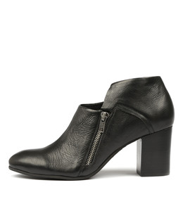 UPENN Heeled Booties in Black Leather