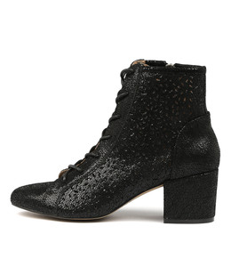 PRICE Ankle Boots in Black Crackle Leather