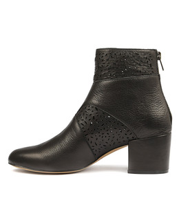 PENNI Ankle Boots in Black Leather