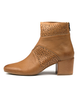 PENNI Ankle Boots in Dark Tan Leather