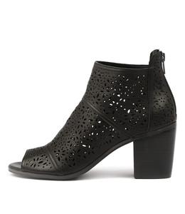 GAUGE Heeled Booties in Black Leather
