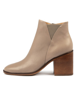 DAVIE Ankle Boots in Smoke Leather