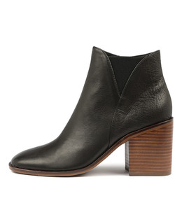 DAVIE Ankle Boots in Black Leather