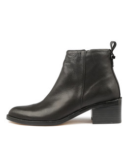 VINCE Ankle Boots in Black Leather