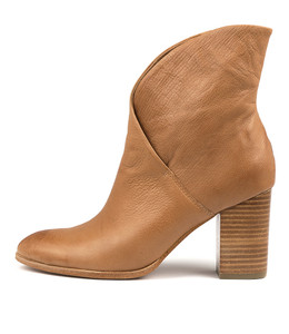 ATTIE Ankle Boots in Dark Tan Leather