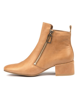 HAKIM Ankle Boots in Tan Leather