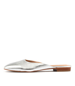 SERVANT Flats in Silver Leather