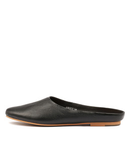 ARRIST Flats in Black Leather