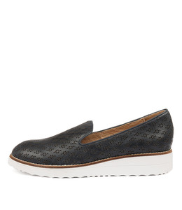 OPOD Flatforms in Navy Leather