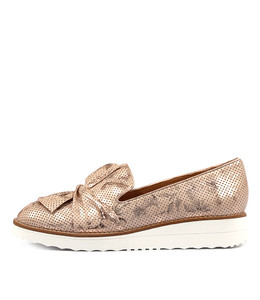 OCLEMY Flatforms in Pale Pink Floral Leather
