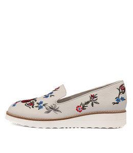 ODILE Flatforms in White Embroidered Leather