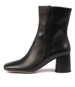 GELAN Ankle Boots in Black Leather