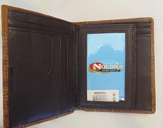nocona-wallet-inside-670970.jpg