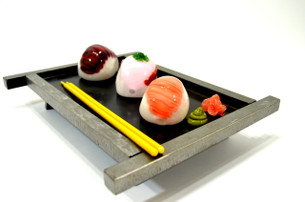 Sculpted Sushi Glass Pipe Set with Chopstick Dabbers