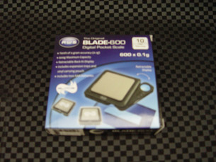 The Original Blade 600 Digital Pocket Tobacco Scale-Image 1
