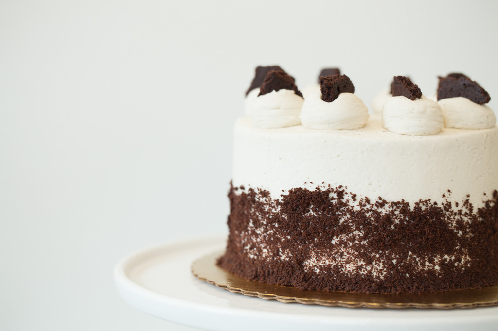 Cookies & Cream Baked Cake