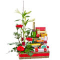 Deluxe Christmas Hamper with Flowers & Wine