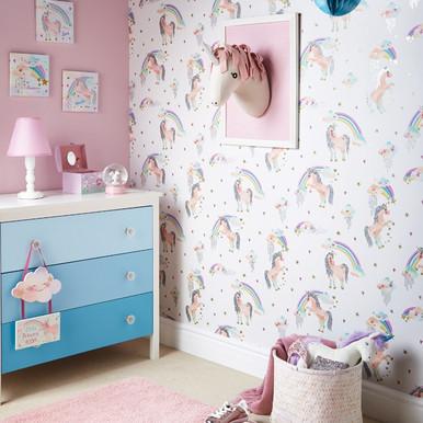 Unicorn Head on Pink Unicorn Wallpaper in Room