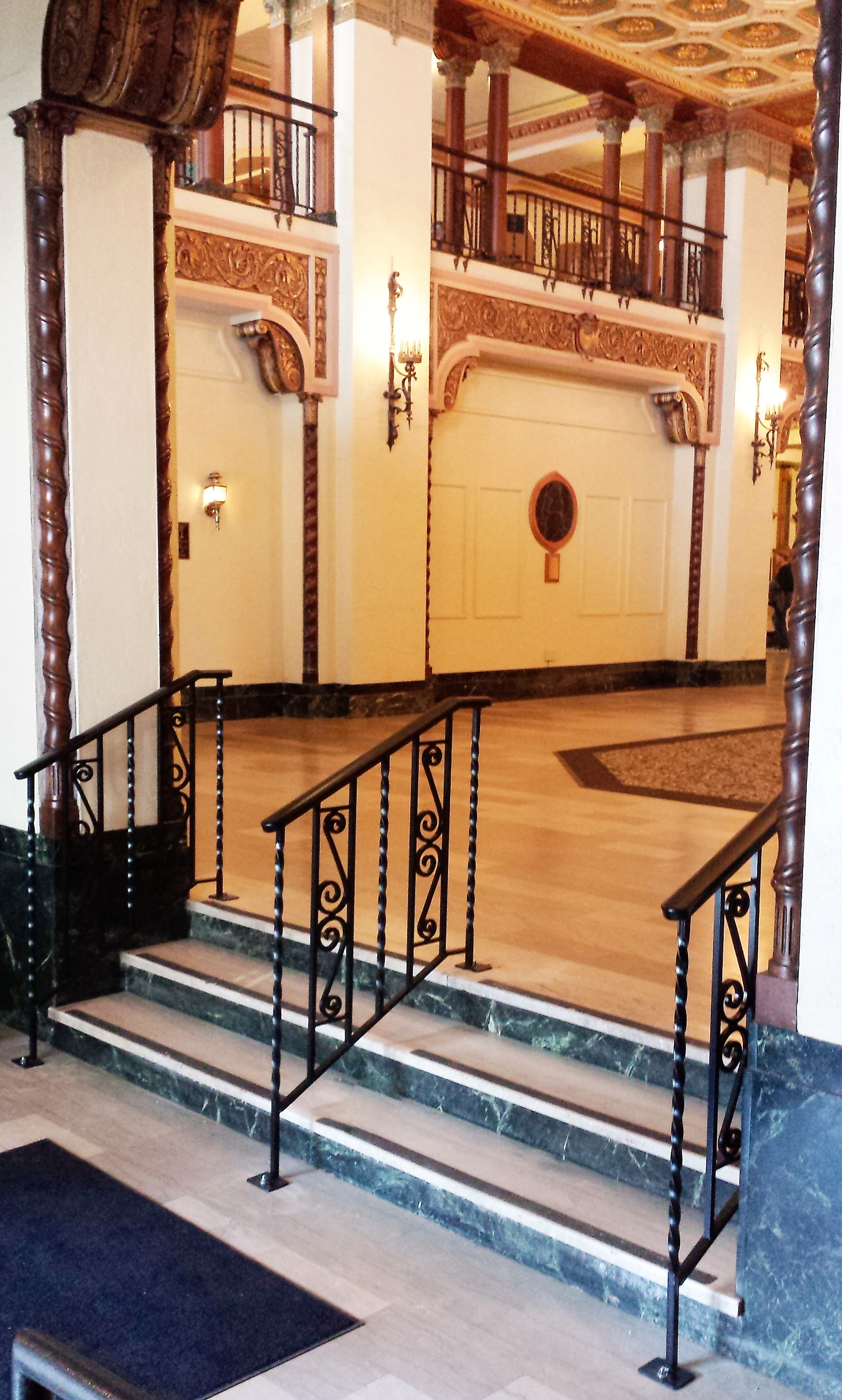 decorative-scroll-cap-railing-graysolon-1.jpg