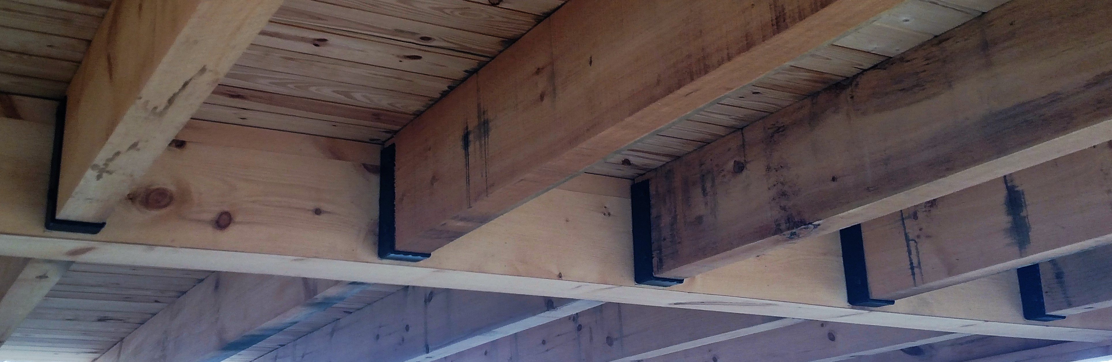hammered-joist-hanger-w-inside-flange-2.jpg