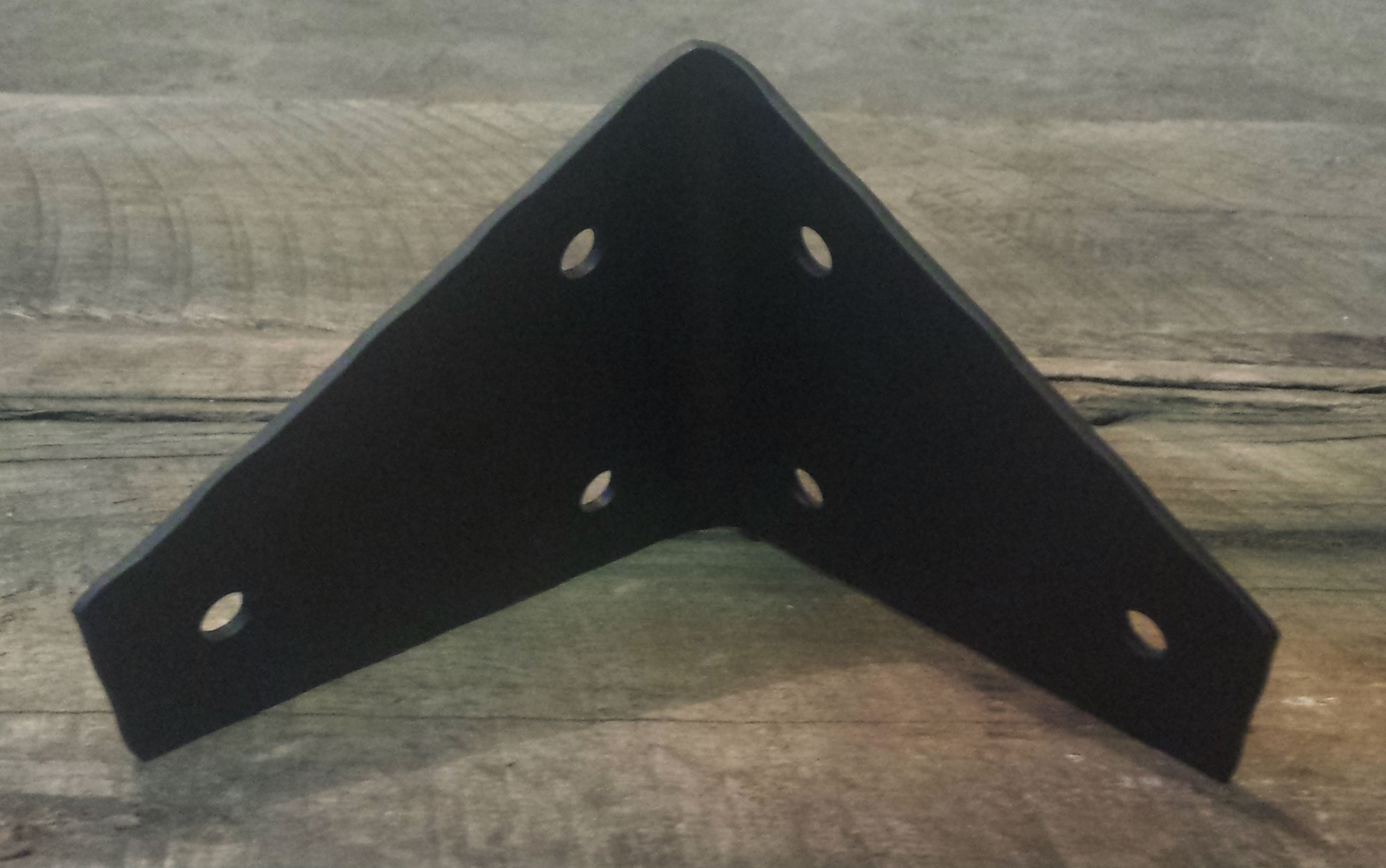 L angle hammered brackets