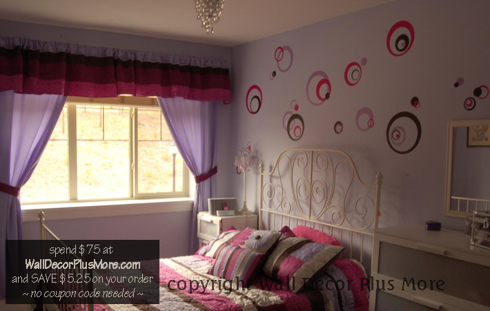 Circles Rings and Dot Wall Stickers in Girls Bedroom