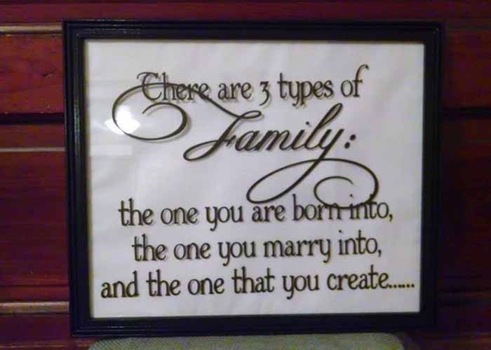 3-types-of-family-vinyl-wall-sticker-on-mirrorextension-pg.jpg