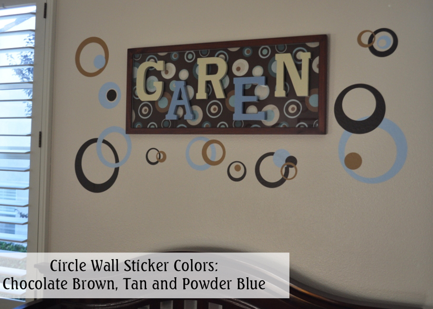 circles-rings-dots-wall-stickers-in-baby-boy-room-copy.jpg