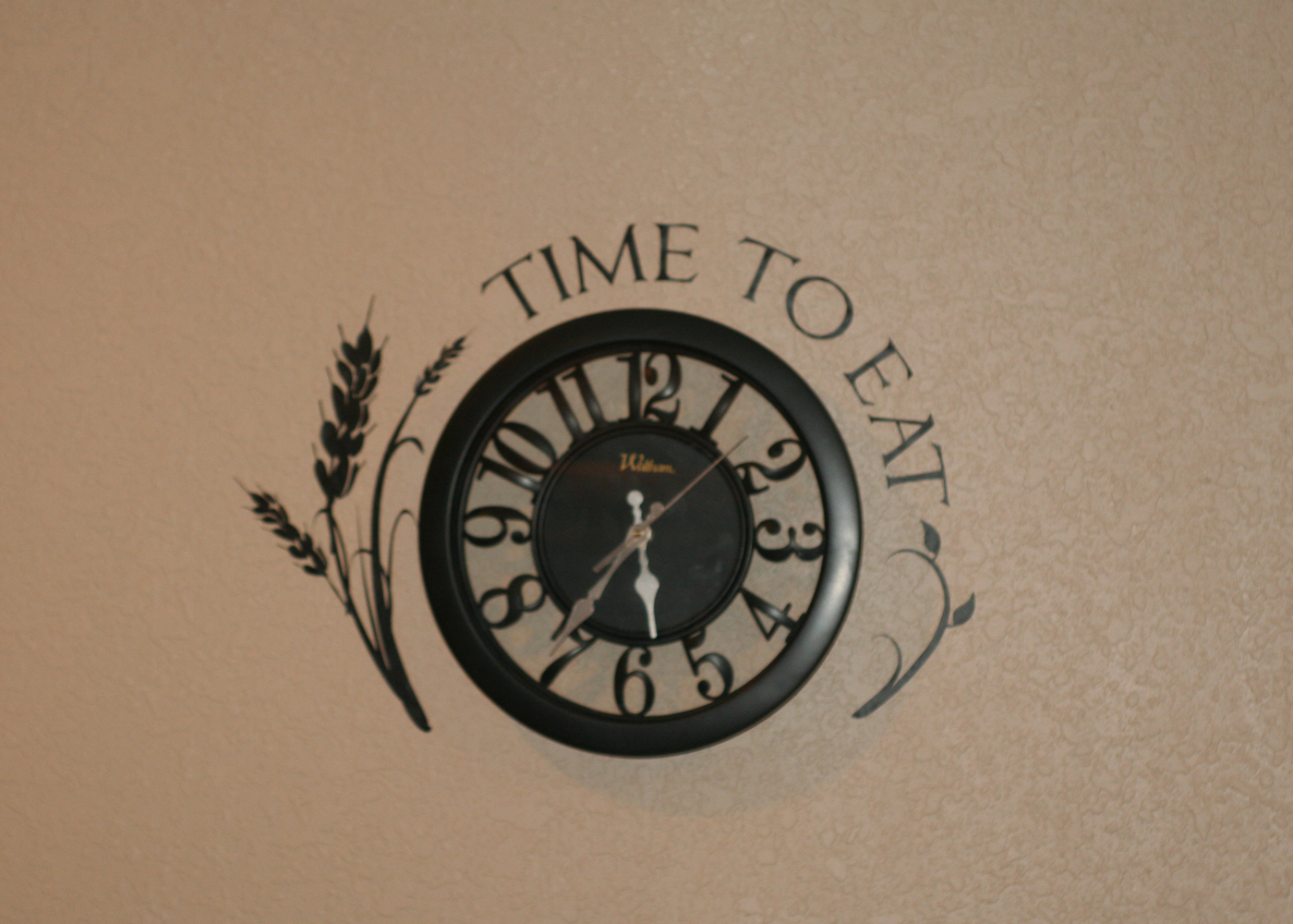 clock-wall-art-decal-time-to-eat-custom.jpg