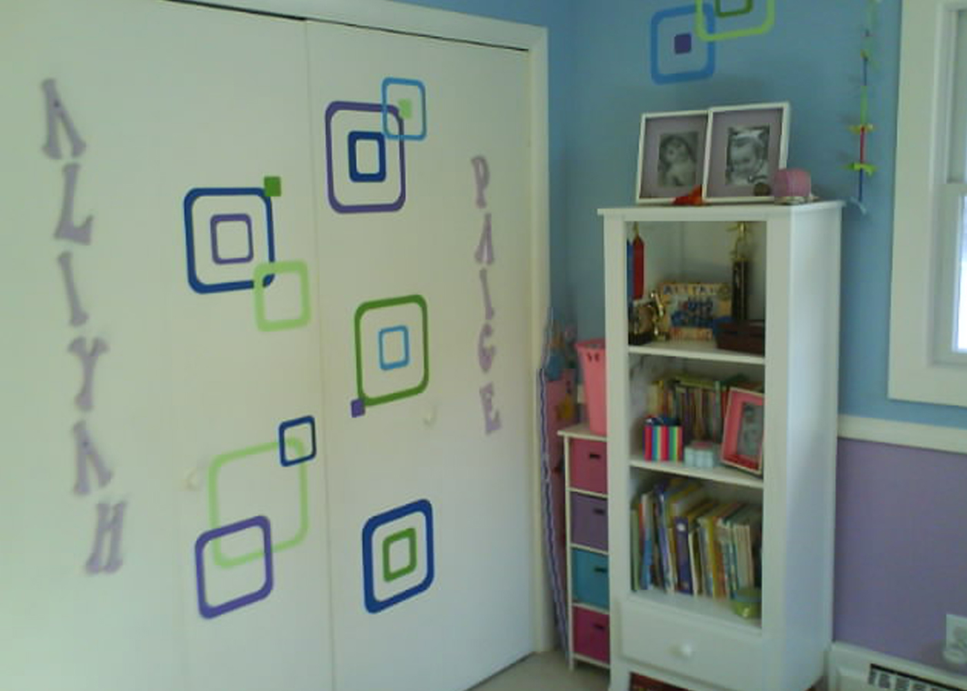 funky-rsquares-vinyl-wall-decals-girls-room-2.jpg