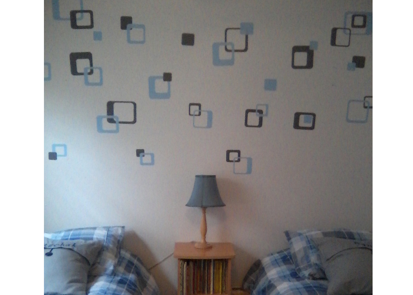 funky-rsquares-vinyl-wall-decals-in-boys-room.jpg