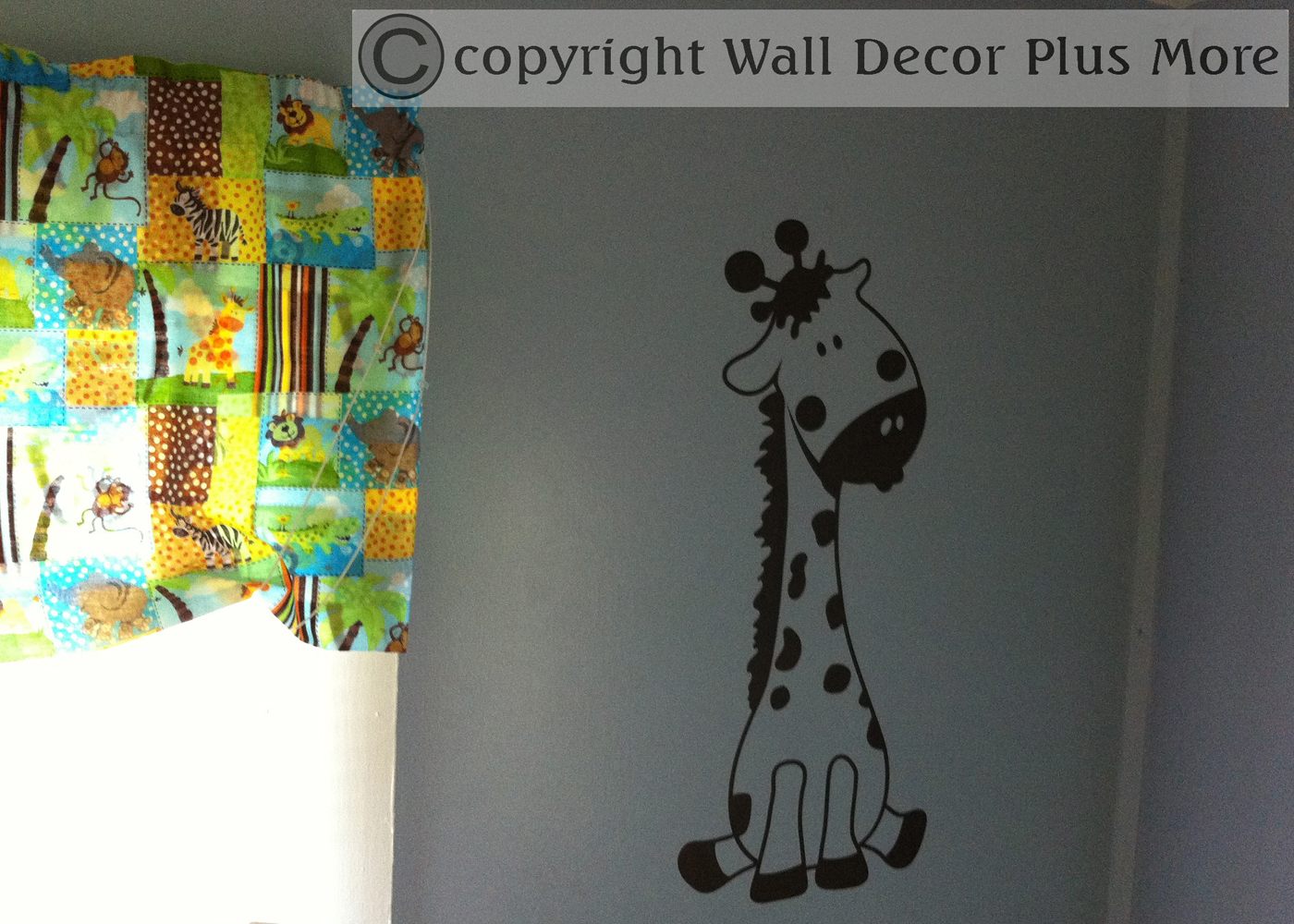 giraffe-wall-decal-sticker-in-jungle-room.jpg