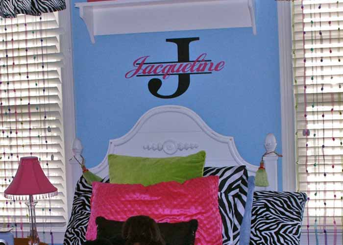 monogram-2color-name-wall-decal-sticker-girls-room-2extension-pg.jpg