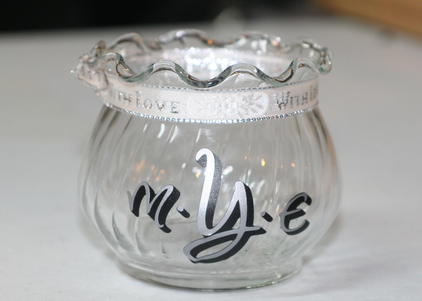 monogram-vinyl-lettering-with-dots-for-jars-glasses.jpg