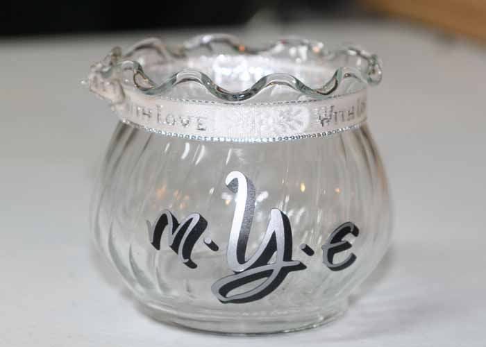 monogram-vinyl-lettering-with-dots-for-jars-glassesextension-pg.jpg
