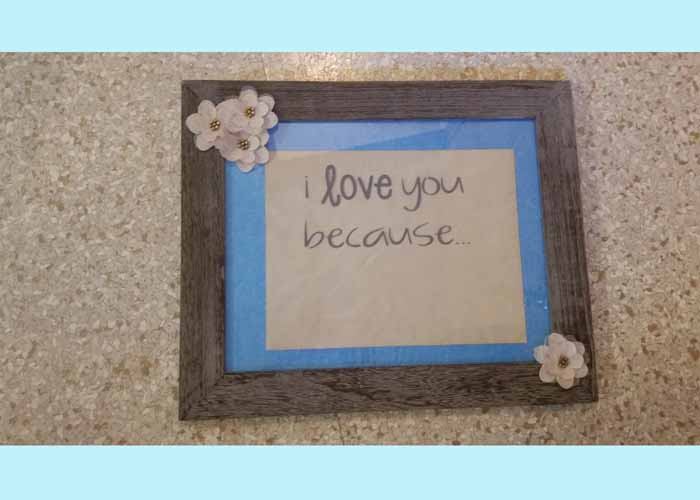 vinyl-sticker-on-photo-frame-for-dry-erase-notepg.jpg